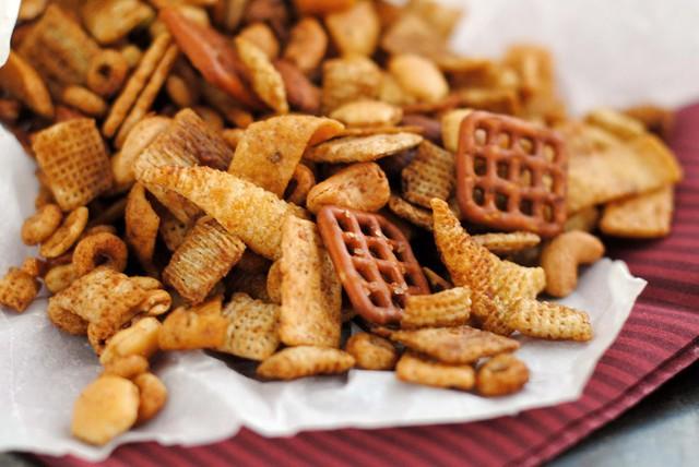 Mầm mống ung thư trong cơ thể sẽ ngày càng lớn thêm nếu bạn vẫn duy trì thói quen tiêu thụ lượng lớn những thực phẩm này  - Ảnh 1.