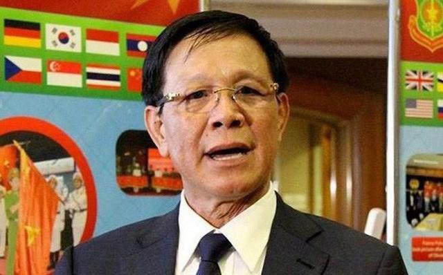 Luật sư: Cựu tướng Phan Văn Vĩnh vẫn sẽ có mặt tại tòa dù bị ngã sưng trán - Ảnh 1.