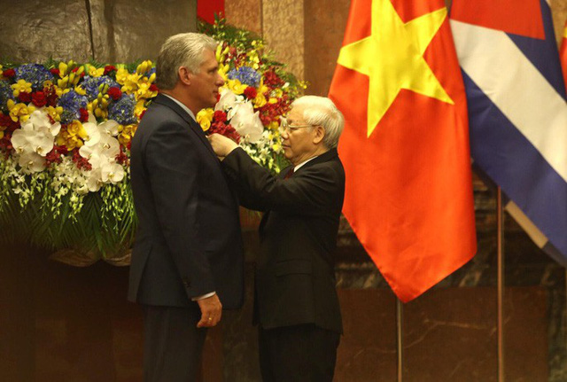 Cận cảnh Tổng Bí thư, Chủ tịch nước Nguyễn Phú Trọng đón Chủ tịch Cuba - Ảnh 11.
