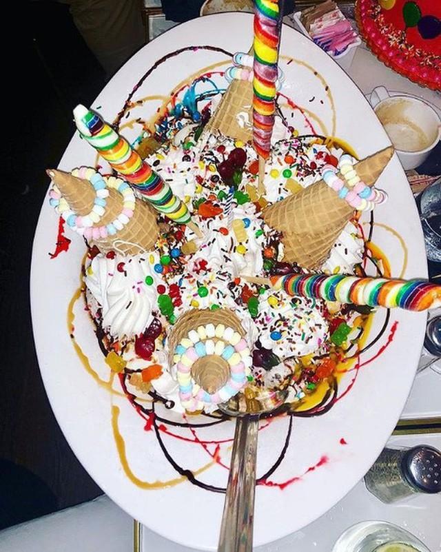 Chỉ một phần kem lạnh mà có giá hơn 2 triệu, thế mà nhiều người Mỹ lại dám chi để mừng sinh nhật - Ảnh 11.