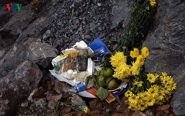 Sập mỏ vàng ở Hòa Bình: Hình ảnh cứu hộ ngày thứ 5 liên tiếp - Ảnh 19.