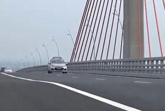 Cầu Bạch Đằng 7200 tỷ bị lún, võng: Là chuyện bình thường? - Ảnh 3.