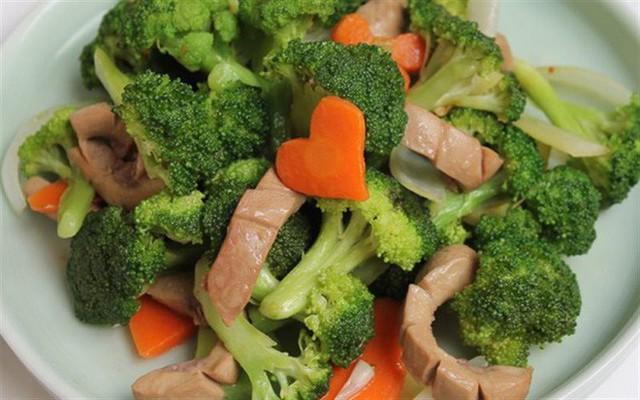 Bữa trưa ảnh hưởng lớn đến sức khỏe và tâm trạng: 2 sai lầm nguy hiểm có thể bạn cũng mắc - Ảnh 4.