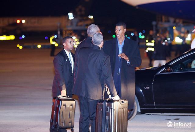 Những hình ảnh đầu tiên của Chủ tịch Cuba tại Việt Nam - Ảnh 5.