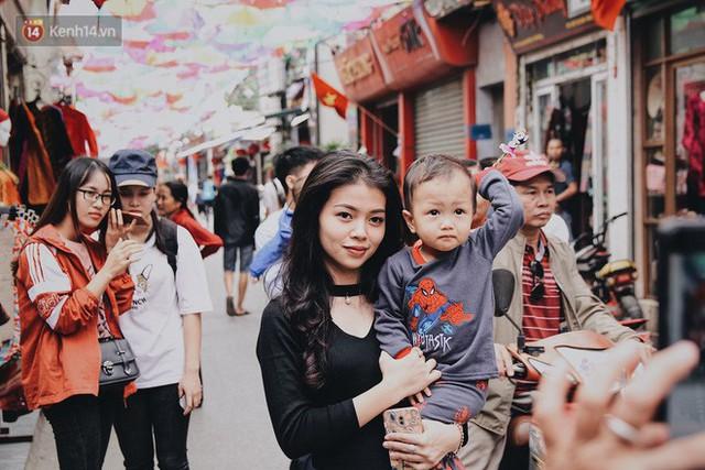 Hà Nội xuất hiện con đường ô lãng mạn như ở Bồ Đào Nha, người dân ùn ùn kéo đến chụp ảnh - Ảnh 5.