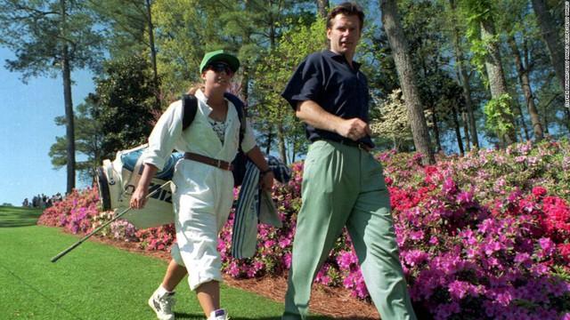 Nữ caddy Fanny Sunesson - trợ lý nổi tiếng và đầy quyền lực góp phần làm nên thành công của tay golf huyền thoại Nick Faldo - Ảnh 2.