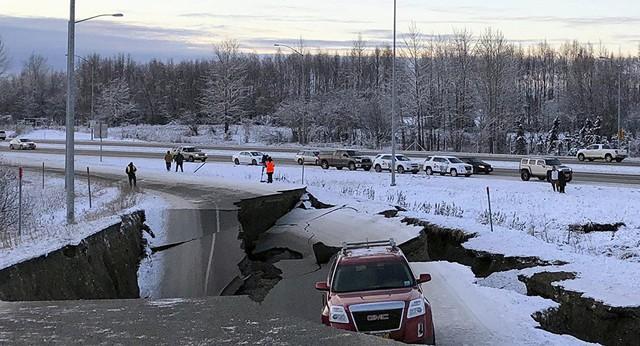 Động đất 7 độ richter rung chuyển Alaska: Thông tin mới nhất - Ảnh 1.