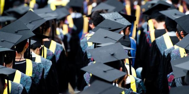 Không thi Đại học, không bị bố mẹ ép buộc, sinh viên nước ngoài chọn ngành, chọn trường như thế nào? - Ảnh 1.