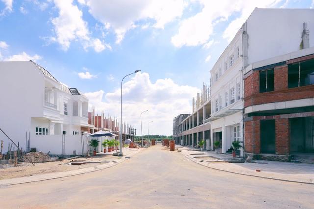 Không phải cứ bỏ tiền vào đất nền, nhà phố nào cũng kiếm tiền tỷ, đây là bí quyết giúp nhà đầu tư có hiệu suất sinh lời cao - Ảnh 2.