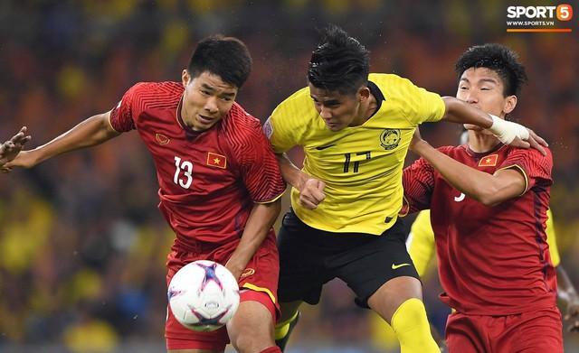HLV Park Hang-seo lạnh lùng, đưa học trò về mặt đất ngay sau bàn thắng thứ 2 - Ảnh 11.