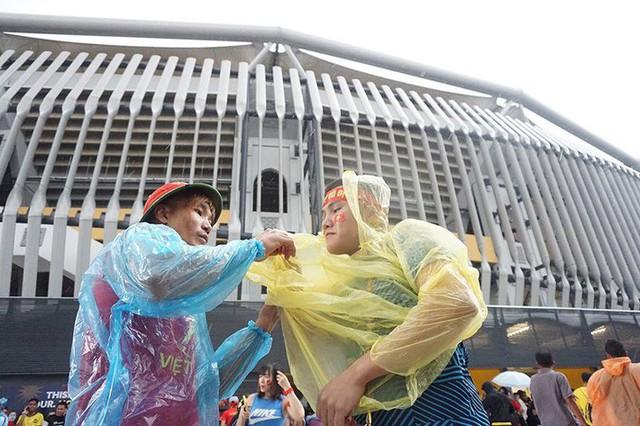 Trời tạnh mưa trước trận chung kết lượt đi AFF Cup Malaysia vs Việt Nam - Ảnh 4.