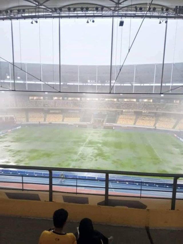 Trời tạnh mưa trước trận chung kết lượt đi AFF Cup Malaysia vs Việt Nam - Ảnh 6.