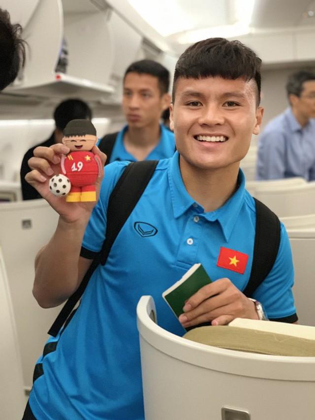 Máy bay hiện đại nhất thế giới đang đưa đội tuyển Việt Nam về đá chung kết AFF Cup - Ảnh 1.
