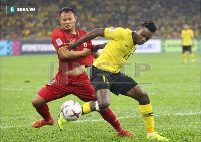 """HLV Malaysia được hai """"quân sư"""" hiến kế cách đánh bại tuyển Việt Nam - Ảnh 1."""