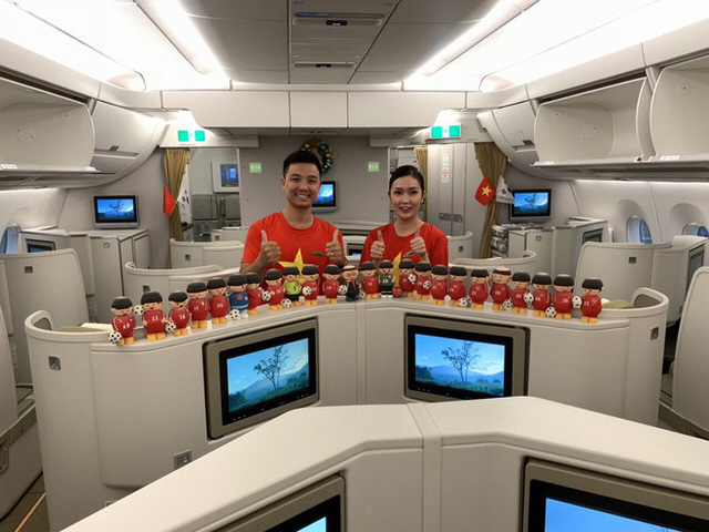Máy bay hiện đại nhất thế giới đang đưa đội tuyển Việt Nam về đá chung kết AFF Cup - Ảnh 3.