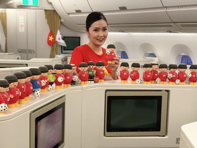 Máy bay hiện đại nhất thế giới đang đưa đội tuyển Việt Nam về đá chung kết AFF Cup - Ảnh 4.