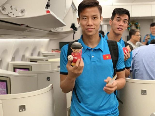 Máy bay hiện đại nhất thế giới đang đưa đội tuyển Việt Nam về đá chung kết AFF Cup - Ảnh 5.