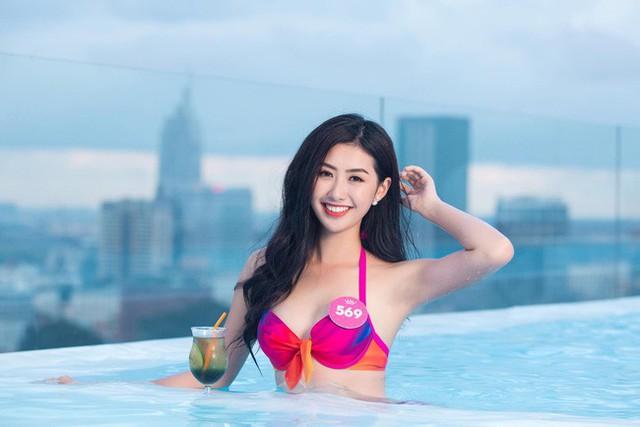 Nữ tiếp viên hàng không xinh đẹp gây bão mạng khi chụp ảnh cùng đội tuyển Việt Nam, tiết lộ bất ngờ về Quang Hải - Ảnh 9.