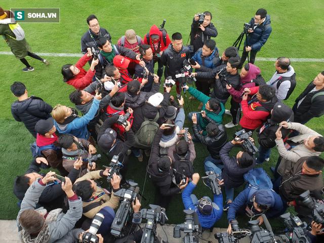 Tiền vệ Huy Hùng thừa nhận điểm đáng sợ của đối thủ Malaysia trước trận chung kết lượt về - Ảnh 1.