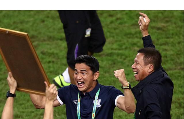 """Huyền thoại bóng đá Thái Lan Kiatisak: """"Việt Nam hiện tại quá hay, 99% sẽ vô địch AFF Cup 2018"""" - Ảnh 1."""