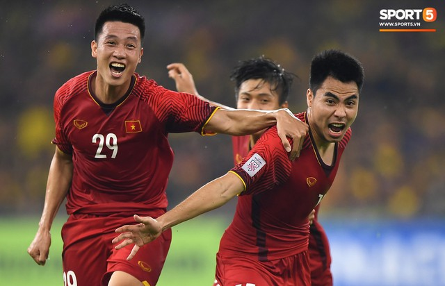 Kênh truyền hình Hàn Quốc hủy chiếu phim để phát sóng trận chung kết lượt về AFF Cup 2018 - Ảnh 1.