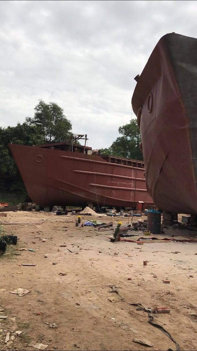 Hiện trường vụ nổ xưởng đóng tàu khiến ít nhất 2 người tử vong ở Sài Gòn - Ảnh 3.