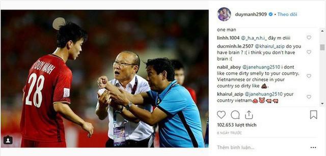 Bị CĐV Malaysia tấn công dữ dội trên Instagram nhưng cách Duy Mạnh phản ứng mới đáng chú ý - Ảnh 3.