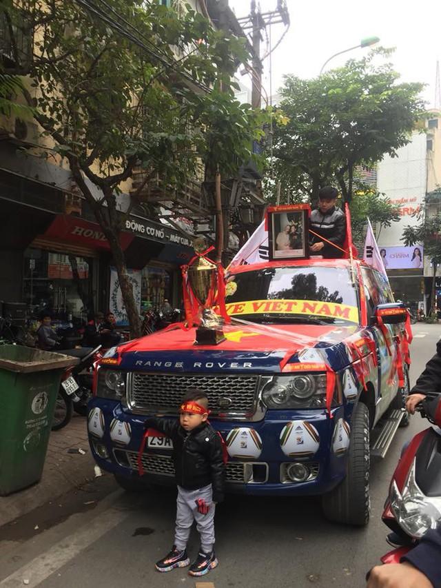 Trước giờ G trận chung kết AFF Cup 2018, đường phố cả nước ngập cờ đỏ sao vàng, tất cả cùng hướng về Mỹ Đình - Ảnh 12.