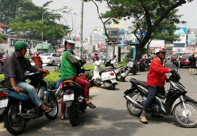 """Nhiều """"ông lớn"""" thèm chiếc bánh kinh tế số 33 tỉ USD của Việt Nam - Ảnh 2."""