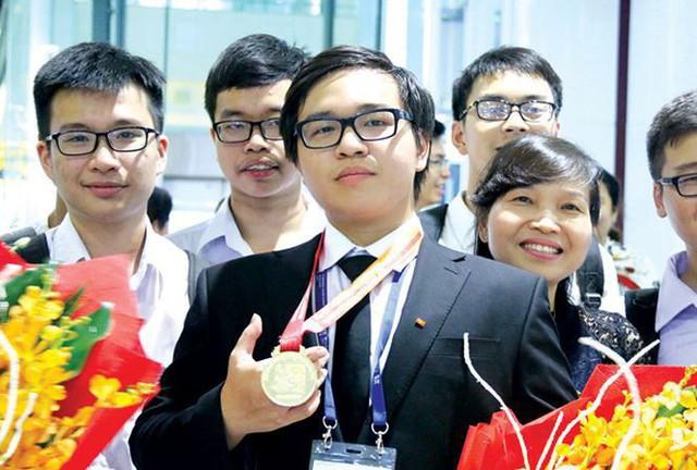Con nhà người ta thế hệ mới 2018: Nghiện game nhưng học siêu giỏi, ẵm Huy chương Vàng Olympic Quốc tế - Ảnh 11.