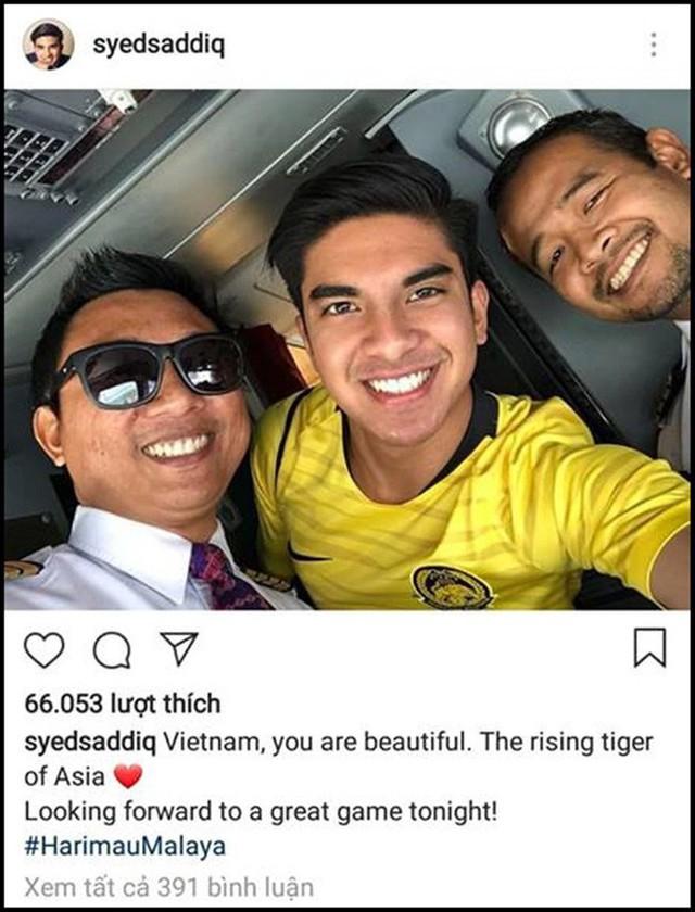 Bộ trưởng 9x, đẹp trai như hot boy của Malaysia không ngồi khán đài vip, hòa mình cùng Ultras tiếp lửa thầy trò Tan Cheng Hoe - Ảnh 6.