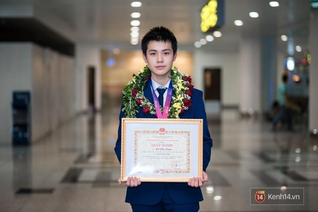 Con nhà người ta thế hệ mới 2018: Nghiện game nhưng học siêu giỏi, ẵm Huy chương Vàng Olympic Quốc tế - Ảnh 8.