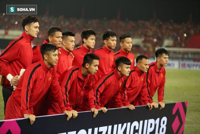 Đặng Văn Lâm: Bố mẹ không xem tôi thi đấu vì quá lo, chỉ dám đợi kết quả trên điện thoại - Ảnh 1.