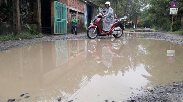 Đà Nẵng: Ám ảnh với 22 km đường ĐT 601 biến thành ao sau mưa lớn - Ảnh 16.