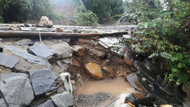 Đà Nẵng: Ám ảnh với 22 km đường ĐT 601 biến thành ao sau mưa lớn - Ảnh 17.