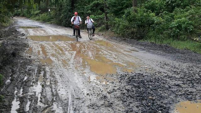 Đà Nẵng: Ám ảnh với 22 km đường ĐT 601 biến thành ao sau mưa lớn - Ảnh 20.