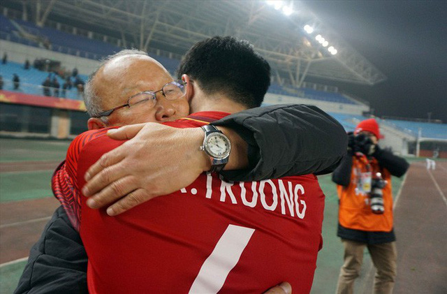 Vinh quang đầy chông gai của Park Hang-seo: Từ HLV đội bóng hạng 3 mờ nhạt đến niềm tự hào của cả Hàn Quốc - Ảnh 4.
