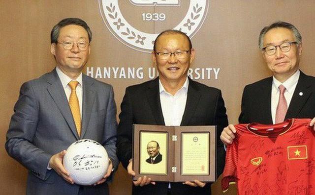 Vinh quang đầy chông gai của Park Hang-seo: Từ HLV đội bóng hạng 3 mờ nhạt đến niềm tự hào của cả Hàn Quốc - Ảnh 8.