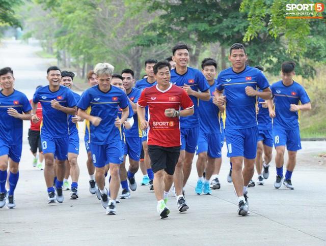 Đây là người giúp tuyển Việt Nam giải quyết điểm yếu cố hữu về thể lực - Ảnh 2.