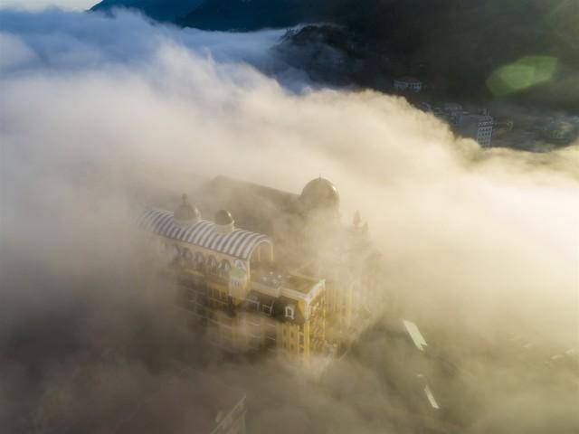 Ngắm khách sạn đẹp huyền ảo của kiến trúc sư dị biệt nổi tiếng thế giới Bill Bensley tại Sapa - Ảnh 18.