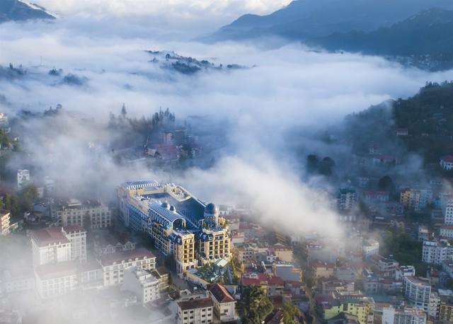 Ngắm khách sạn đẹp huyền ảo của kiến trúc sư dị biệt nổi tiếng thế giới Bill Bensley tại Sapa - Ảnh 1.