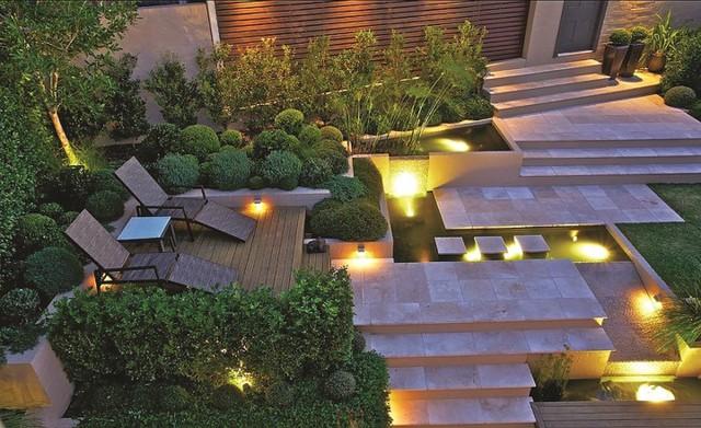 Những khoảng sân vườn đẹp lung linh trong ánh đèn - Ảnh 2.