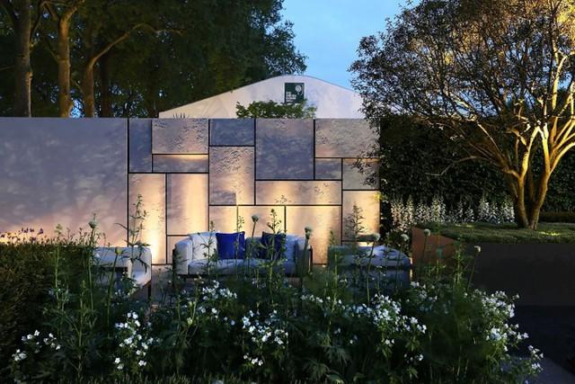 Những khoảng sân vườn đẹp lung linh trong ánh đèn - Ảnh 6.