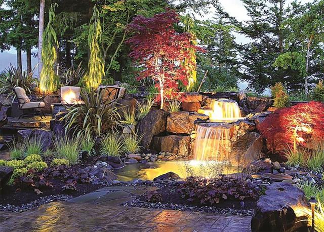 Những khoảng sân vườn đẹp lung linh trong ánh đèn - Ảnh 10.