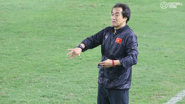 Cánh tay phải Lee Young-jin chia sẻ điều giúp thầy Park vượt qua các trận kịch chiến - Ảnh 1.