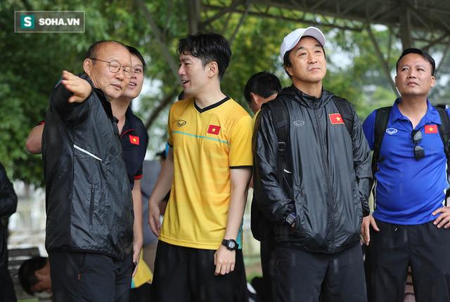 Cánh tay phải Lee Young-jin chia sẻ điều giúp thầy Park vượt qua các trận kịch chiến - Ảnh 3.