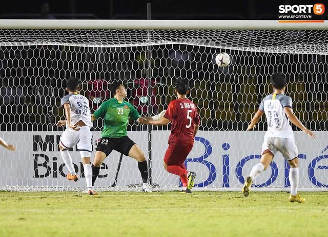 Văn Lâm thất vọng sau bàn thua đầu tiên, song Đức lại cùng nhau rực sáng - Ảnh 2.