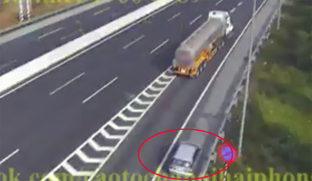 Yêu cầu xử nghiêm tài xế xe ô tô đi lùi 1km trên cao tốc Hà Nội – Hải Phòng - Ảnh 1.