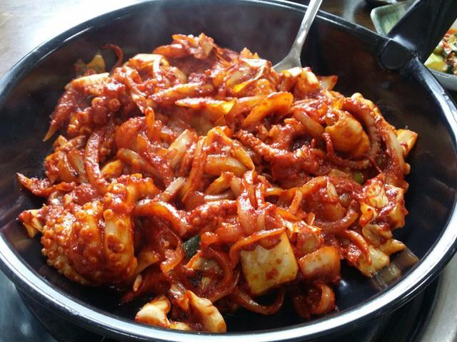 Đang thèm ăn hải sản mà thấy các món bạch tuộc này của Hàn Quốc thì đúng là khó có thể kiềm lòng - Ảnh 12.