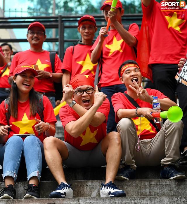 Ban tổ chức AFF Cup sai lầm, nhầm lẫn Việt Nam thành Singapore - Ảnh 7.